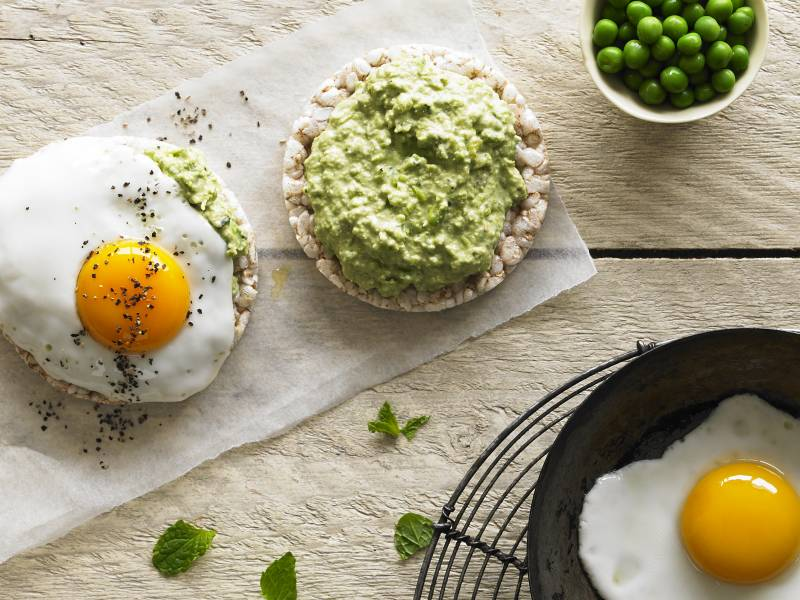 Easy peasy pea purée with fried egg