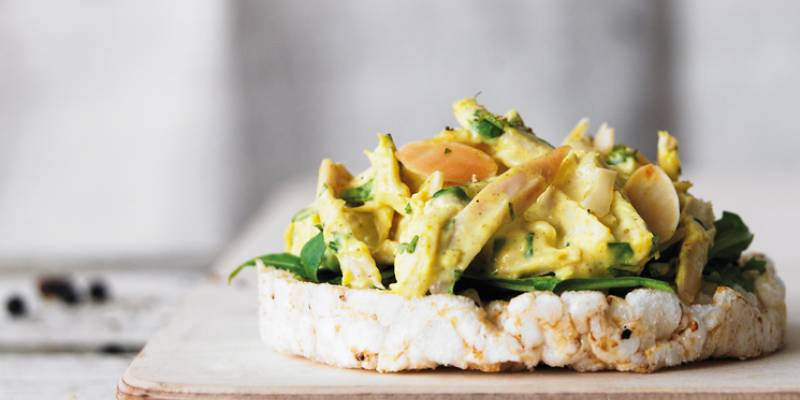 Creamy coronation chicken and rocket